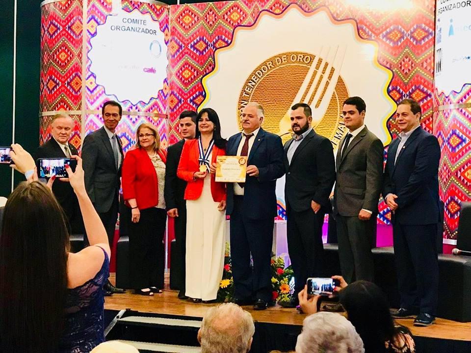 Restaurante del Año Rincon Zuiso Tecpán Guatemala Galardon Tenedor de Oro 2018