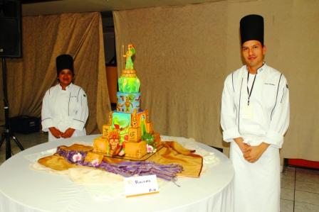 Chef Oscar Ren� Ordo�ez -Sweet Cakes and Cookes- 1er Lugar
