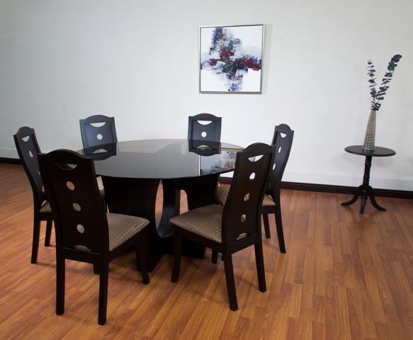 Muebles de vidrio guatemala 20170811001434 for Muebles para sala comedor